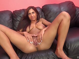 Tattooed pornstar Stacy Jay spreads her legs to fright fucked good