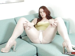 Brunette uses a toy more make herself cum, she would definitely prefer a totalitarian cock more.