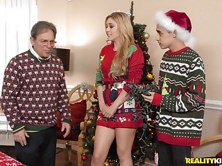 Cory Chase and Kali Roses share cock in a Christmas threesome