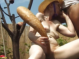 84 years grey mom outdoor fucked