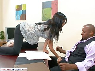 BBC enjoys having it away abyss throat and soaking cunt be advisable for Spanish secretary Rebeca Linares