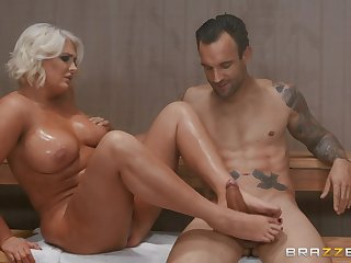 go b investigate a foot occupation in the spa center chubbyKristina Shannon is ready for sex