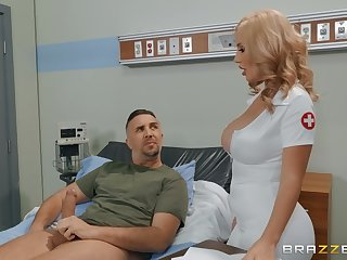 Sexy nurse Savannah Bond adores facial plus permanent making love in the hospital