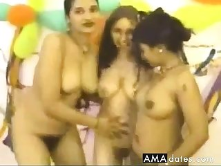 Homemade clip with several desi showing their bodies