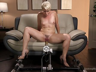 Bombshell short haired festival MILF Helena Locke fucked at the end of one's tether a machine