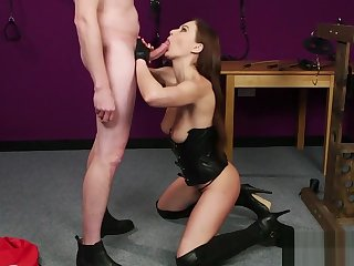 Feisty widely applicable gets jizz load on her face sucking all the cum