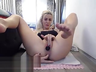 slut loverosella squirting on live webcam - www.find6.xyz