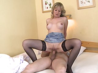 Blonde woman rides man's cock and waits until he cums on their way