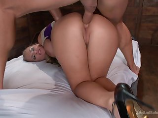 Chunky ass MILF works the dick in both holes for a spot on target BDSM