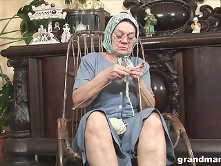 Derisive fat wrinkled granny flashes her mature pussy during solo