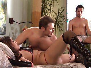 Regulate up video of a dude observing his wife Nautica Thorn getting fucked