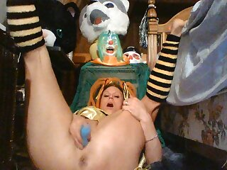 Halloween Contest. Sexy Bee Shows Off Her Curves She Eats A Mouthfull Of Cum Sweet Tight Wet Pussy