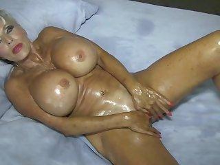 Home Blear what Real moms do for their MEN #oilfetish #masturbation - Sally Dangelo