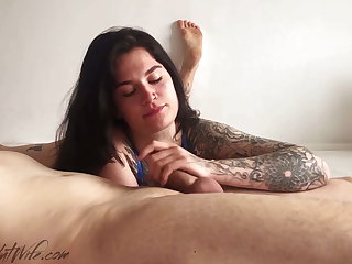 Brunette Suck Big Cock and Word-of-mouth Creampie for Money