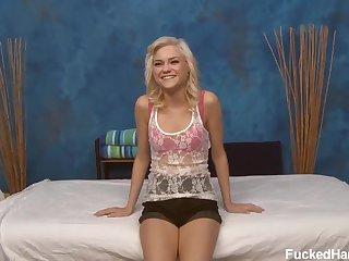 Chloe massage